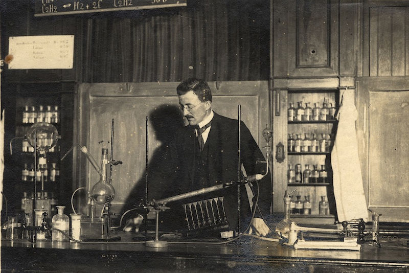 Hermann Staudinger in his laboratory at ETH Zurich in 1917.